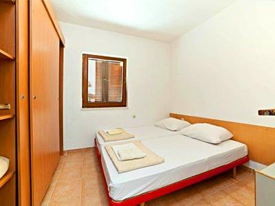 Wohnzimmer, Küche, Schlafzimmer, Badezimmer mit WC